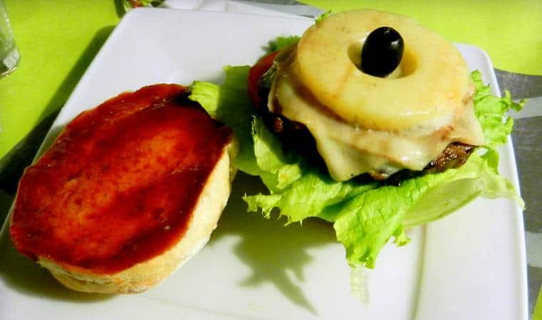 aloha-burger-mollys-grill-poznan
