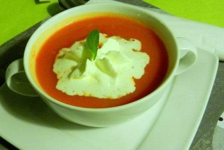 zupa-pomidorowa-z-nutka-morel-mollys-grill-poznan