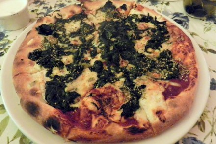 pizza-spinacci-bazylia-oregano-poznan