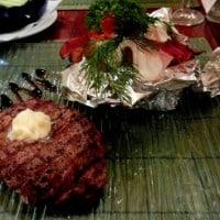Stek z polędwicy wołowej z pieczonym ziemniakiem