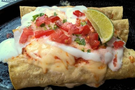 enchilades-poznan-mamasitas-taczaka-kuchnia-meksykanska