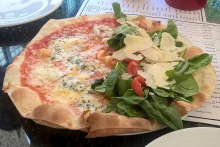 pizza - restauracja w bramie Poznań